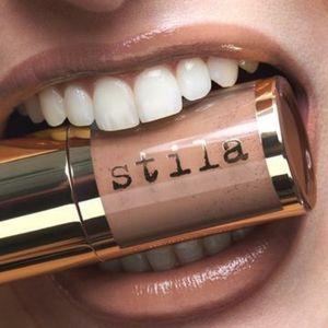 """Stila 💋 • """"Full Throttle"""" Lip Vinyl"""
